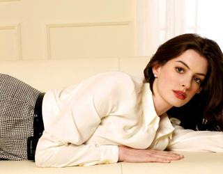 Roban fotos íntimas de Anne Hathaway