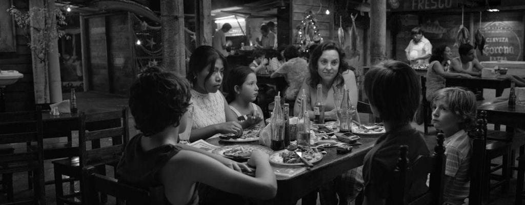 Empleada doméstica envía emotivo mensaje  a Alfonso Cuaron